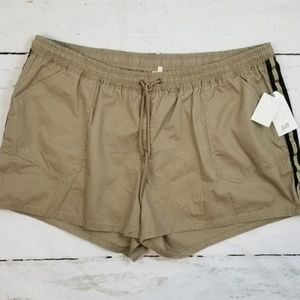 Jolt Khaki Tan Shorts Black Gold Trim Elastic 22